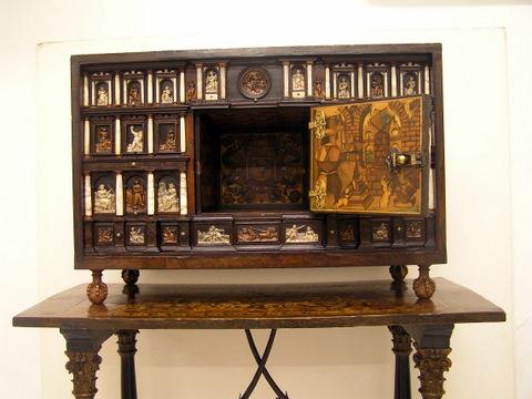 La restauraci n de un escritorio alem n del siglo xvi restauraci n de muebles arcaz - Muebles el siglo ...